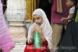 A devotee at the Dargah